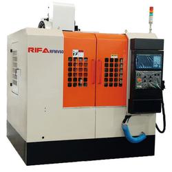 Rifa RFMV60 Вертикально-фрезерный станок с ЧПУ Rifa Станки с ЧПУ Фрезерные станки